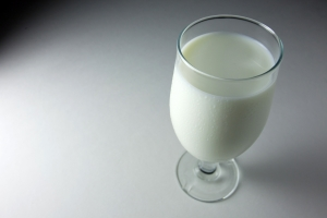 glass-of-milk-1309071-m